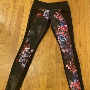 LULULEMON FLORAL YOGA PANTS! Worn twice.